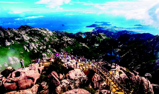 据悉,此次崂山区将崂山风景区管理局,崂山区旅游局,青岛市啤酒节办