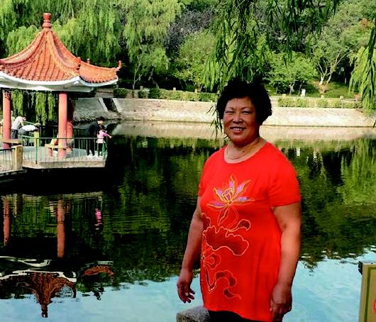 文/图 半岛全媒体记者 刘欣 今年57岁,家住海岸锦城